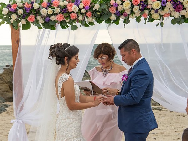 Robin Manoogian - Wedding Minister